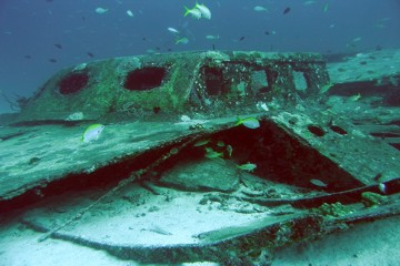 Smnll wreck at Racha Yai